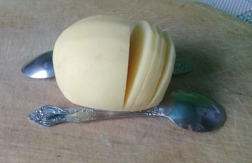 картофель с прорезями