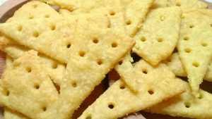 готовое печенье с сыром