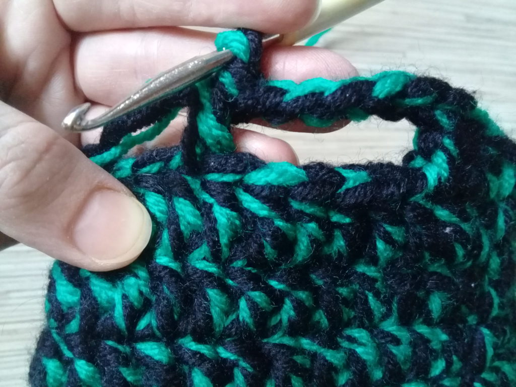 вязание ручек у корзинки для мелочей(2)